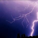 雷被害は天災ではなく人災、雷対策後進国の日本!誰にでも出来る対策とは?