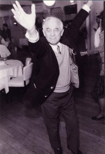 morrie_dancing