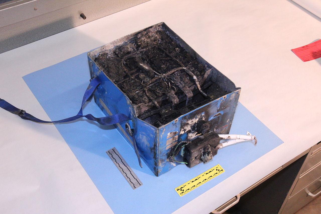 電池 膨らむ リチウム