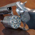 アメリカで銃規制は可能なのか、規制の拡大と「見えない銃」